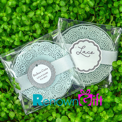 dolly lace round coaster