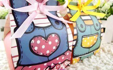 sweet couple candy box